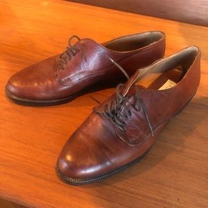Beautiful leather oxfords - size 39/size 8-8.5
